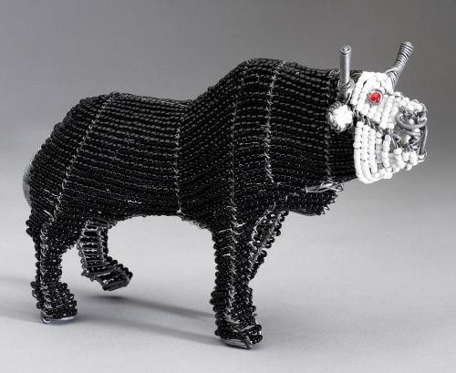 Med Beaded Wire Bull